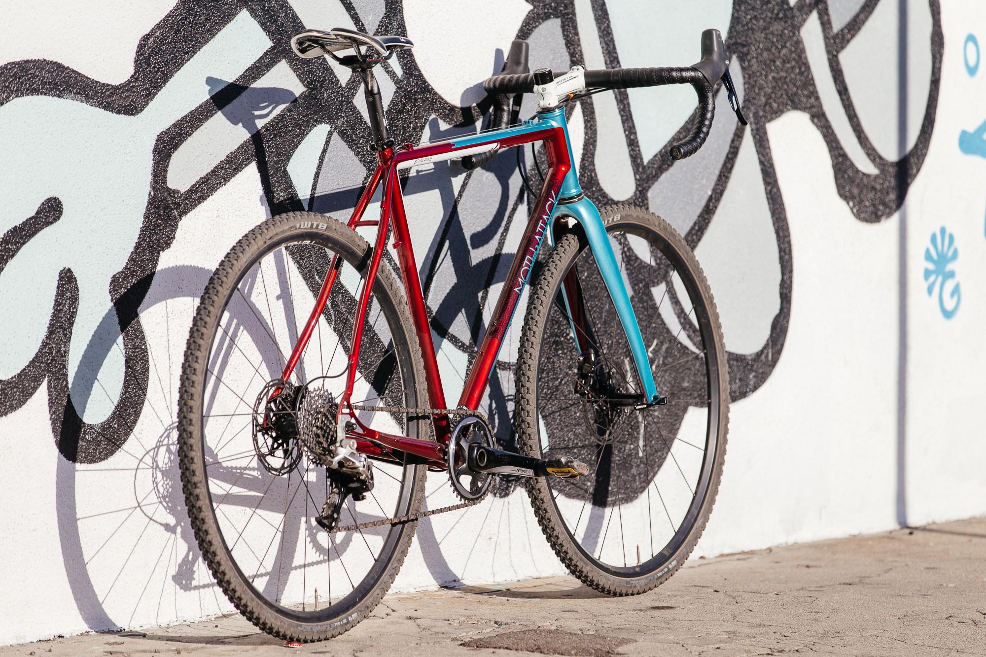 Ericas-Moth-Attack-CX-Team-Bike-18-1335x890@2x.jpg