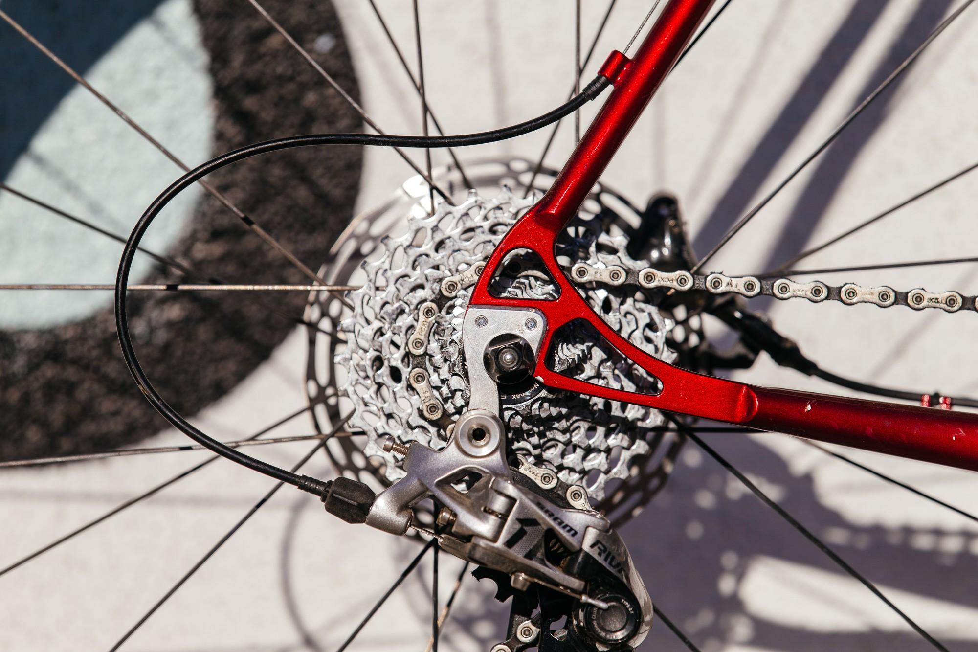 Ericas-Moth-Attack-CX-Team-Bike-21-1335x890@2x.jpg