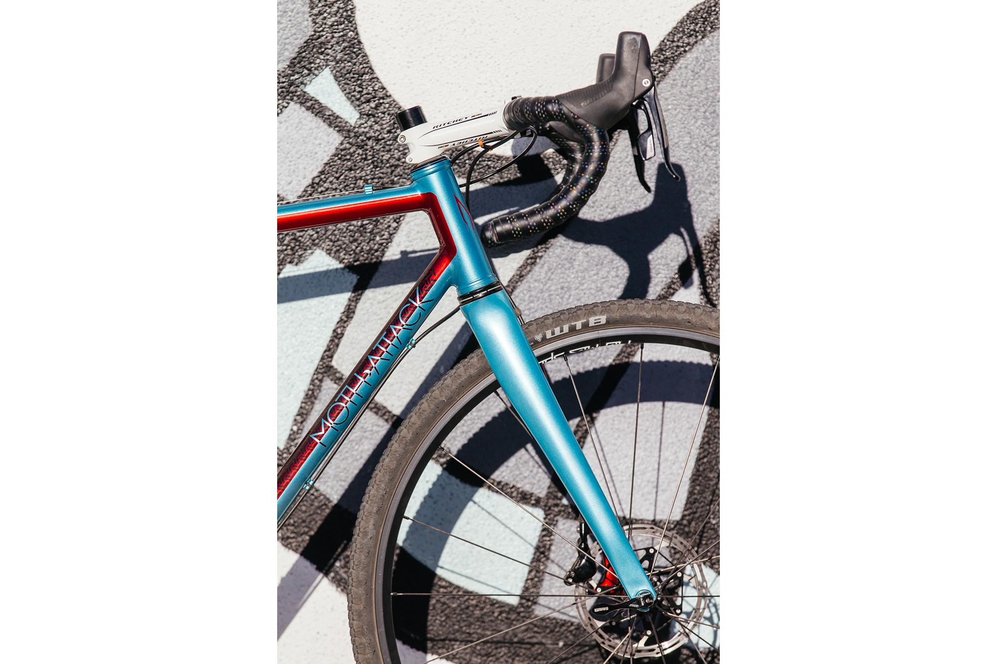 Ericas-Moth-Attack-CX-Team-Bike-20-1335x890@2x.png