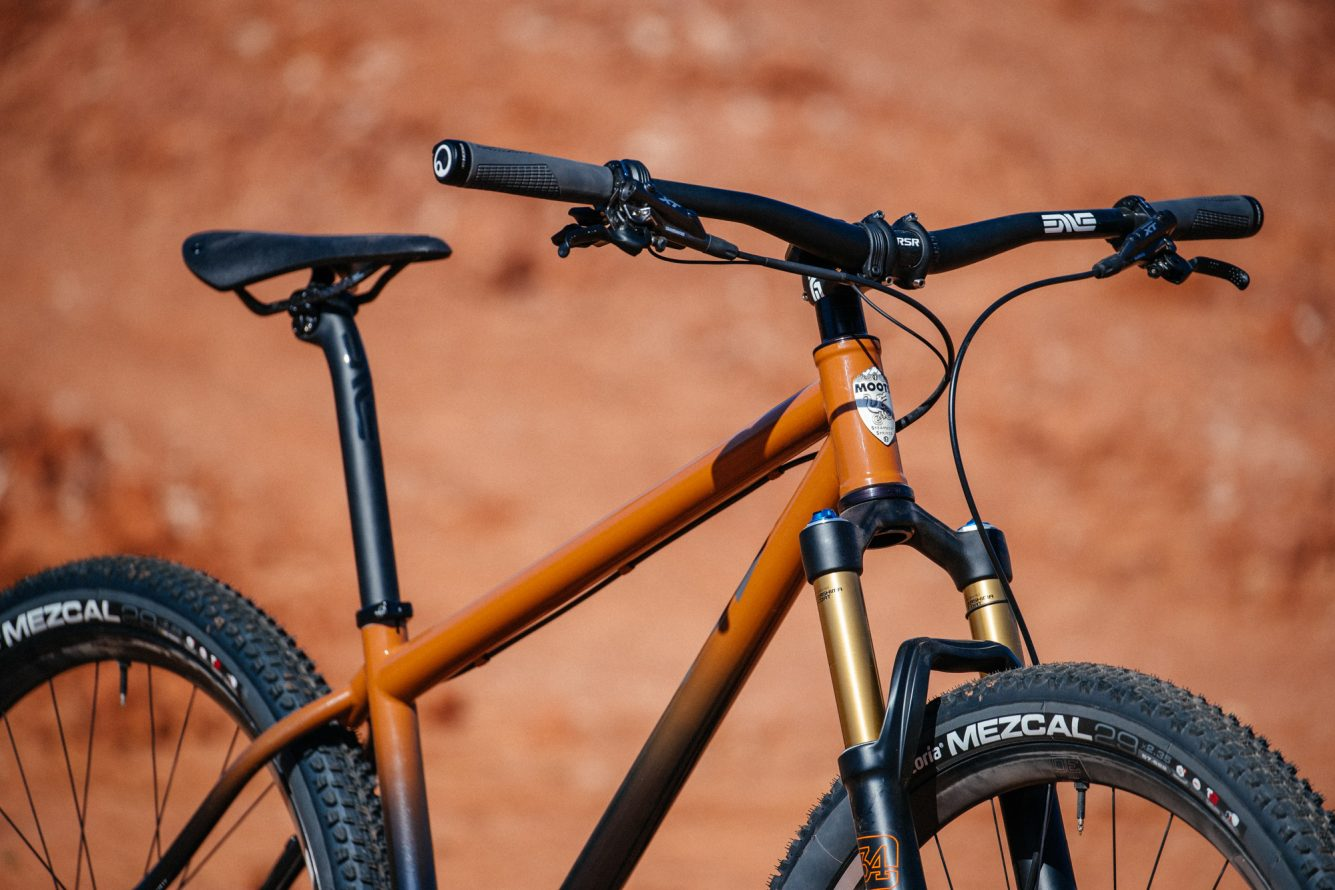 Bobby-from-Distric-Bicycles-Oklahoma-Red-Dirt-Moots-Hardtail-4-1335x890.jpg