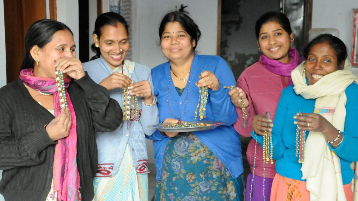 Artisans who work for The Didi Jewelry Project in India