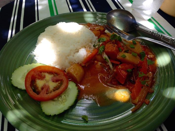 eatdrinklaos-vientiane-kungs-cafe-curry