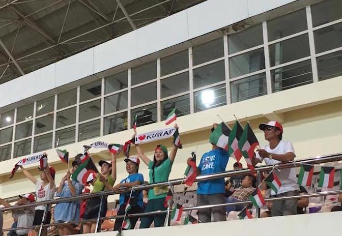 eatdrinklaos-soccer-kuwait-supporters