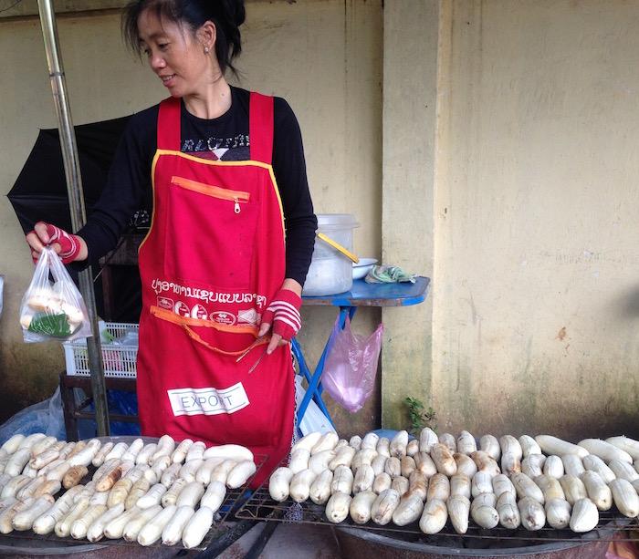 eatdrinklaos-streetfood-grilled-bananas1