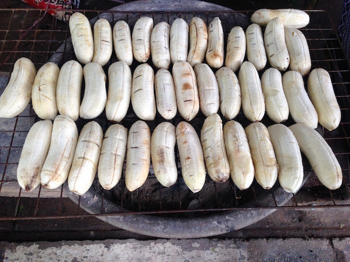 eatdrinklaos-streetfood-grilled-bananas4