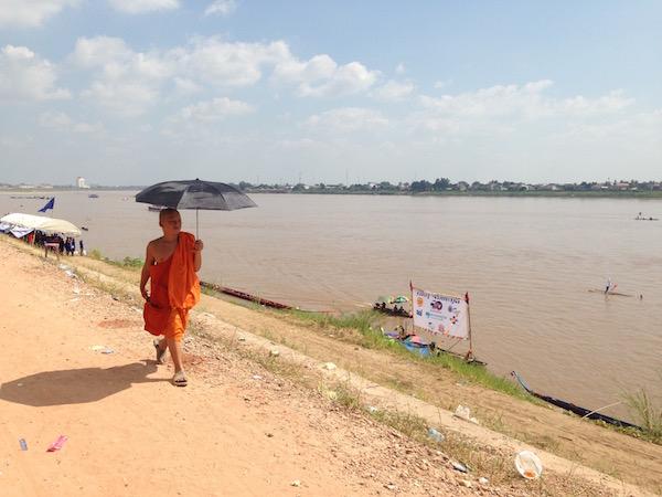 eatdrinklaos-monk-river