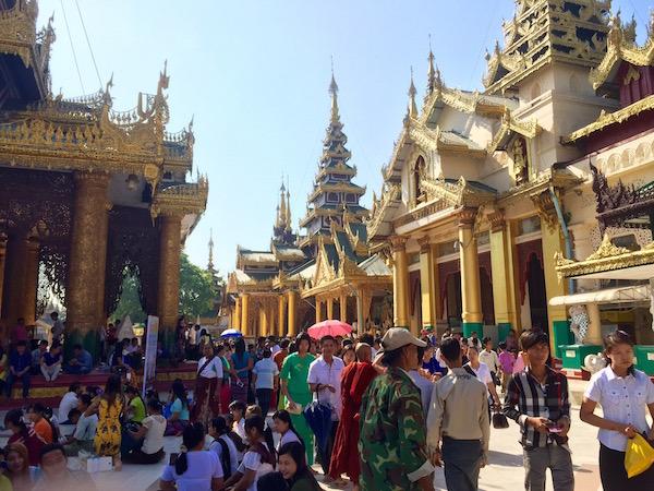 eatdrinklaos-myanmar-shweddagon4