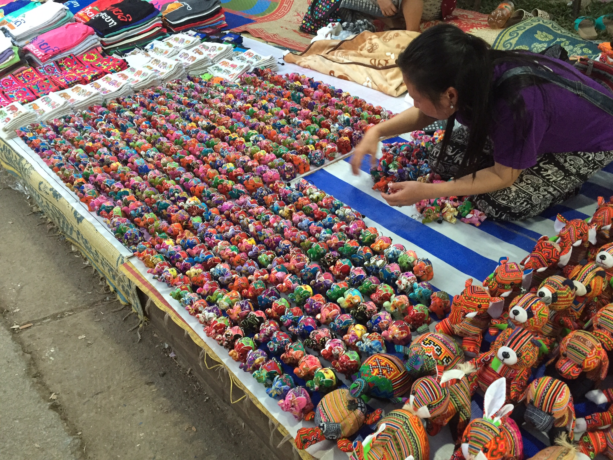 eatdrinklaos-luang-prabang-market2