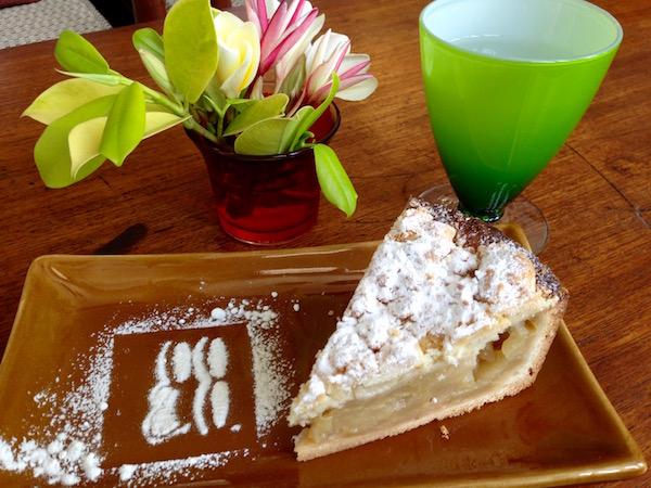 eatdrinklaos-vientiane-coco-co-cake