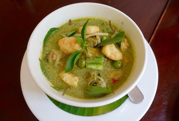 eatdrinklaos-makphet-fish-curry