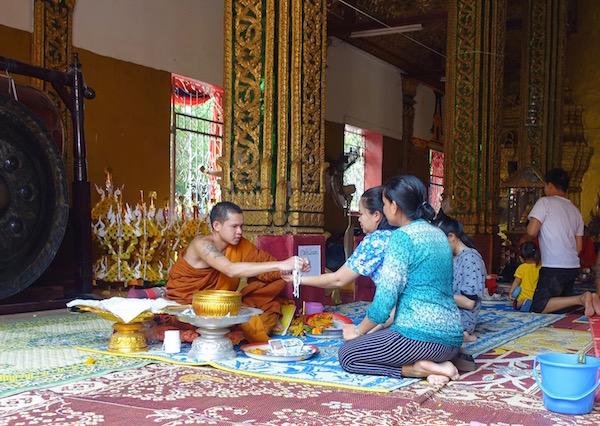 eatdrinklaos-vientiane-pi-mai-temples-baci1