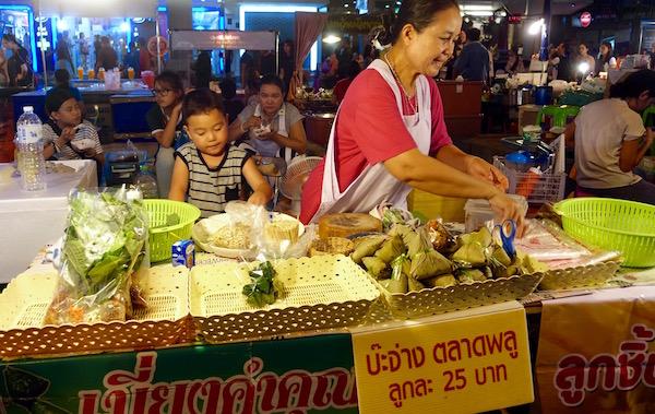 The whole family makes and sells food at this Bangkok streetfood stall