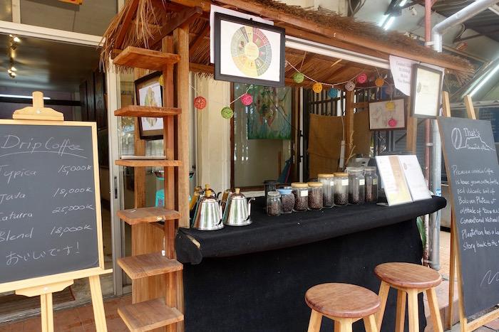 eatdrinklaos-vientiane-cubic-gallery-coffee-cart