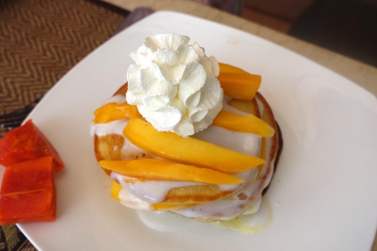 eatdrinklaos-rays-capitol-grille-pancakes