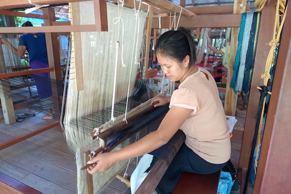 eatdrinklaos-luang-prabang-ockpoptok-weaver1