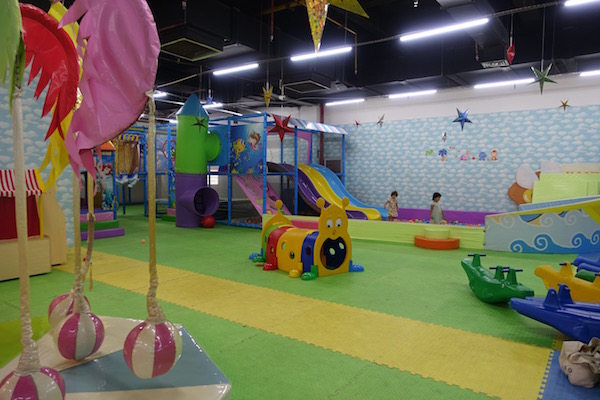 Vientiane Center play area - great fun for kids but bring your earplugs