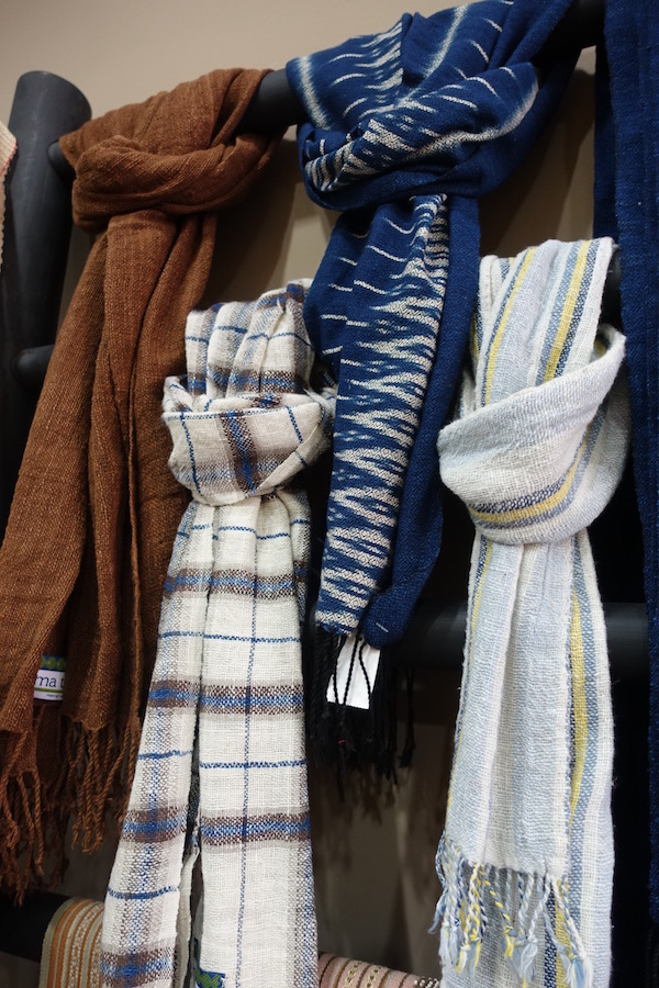 These soft cotton scarves come from  Oudomxay province , north of Luang Prabang