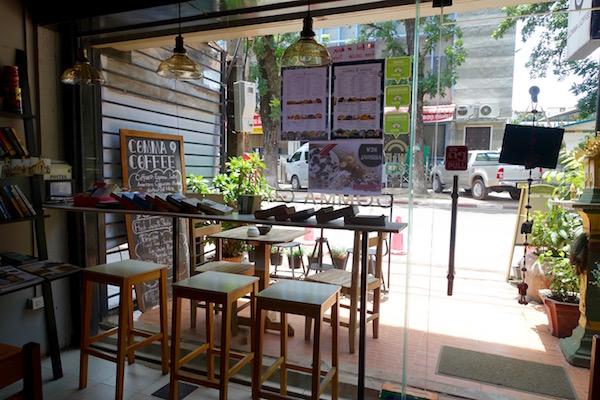 eatdrinklaos-vientiane-comma-coffee-window