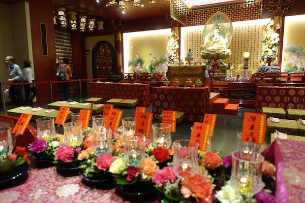 eatdrinklaos-singapore-best-family-fun-buddha-relic-temple