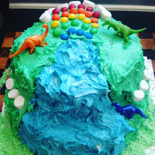 eatdrinklaos-rainbow-pinata-cake2