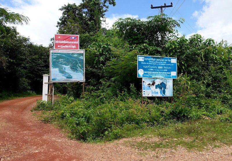 eatdrinklaos-vientiane-lao-lake-house-signs2