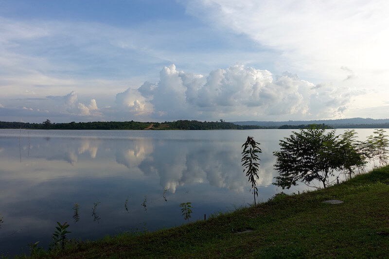 eatdrinklaos-vientiane-lao-lake-house-view2