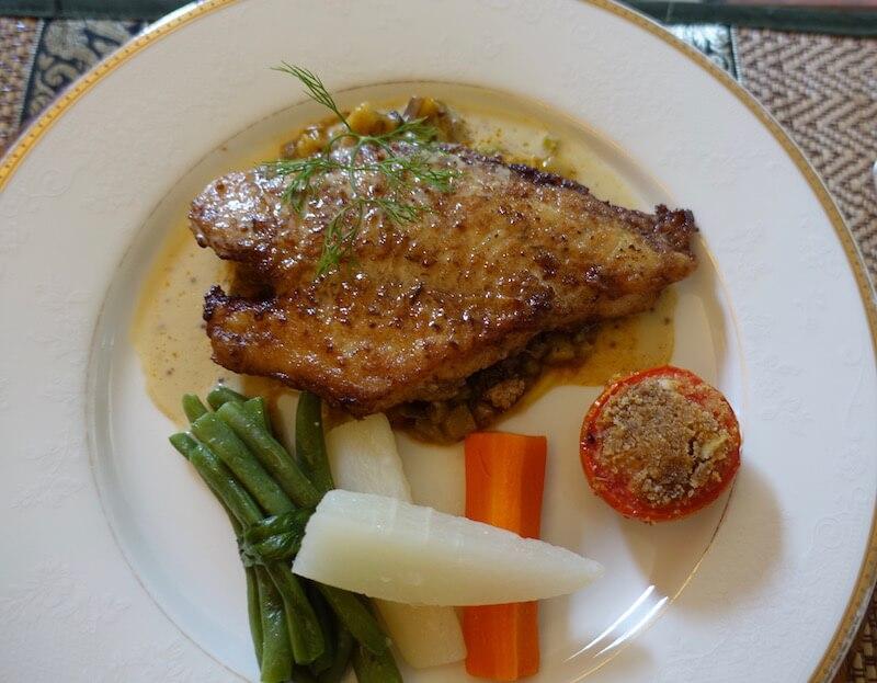 eatdrinklaos-vientiane-banh-yaddao-fish