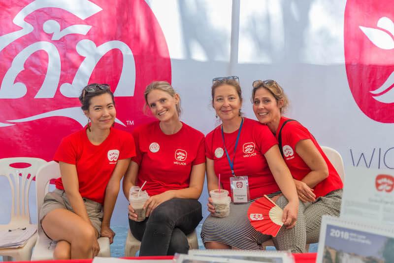 eatdrinklaos-vientiane-wig-bazaar-volunteers