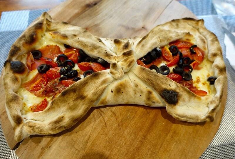 eatdrinklaos-vientiane-italian-job-butterfly-pizza