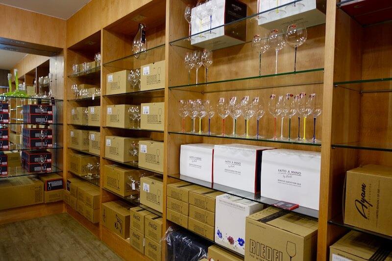 eatdrinklaos-vientiane-where-buy-best-wine-that-dam-wine-glasses.jpg