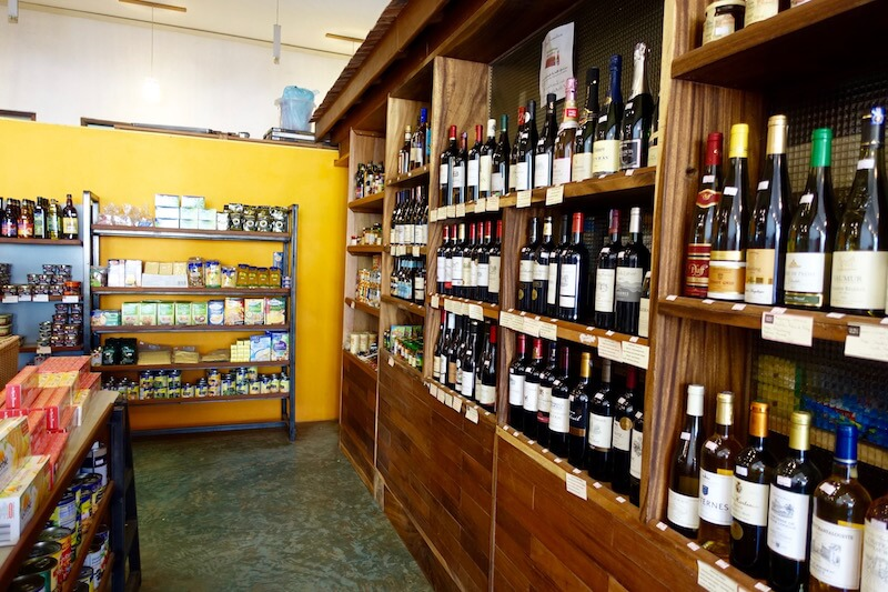 eatdrinklaos-vientiane-where-buy-best-wine-cafe-vanille-deli