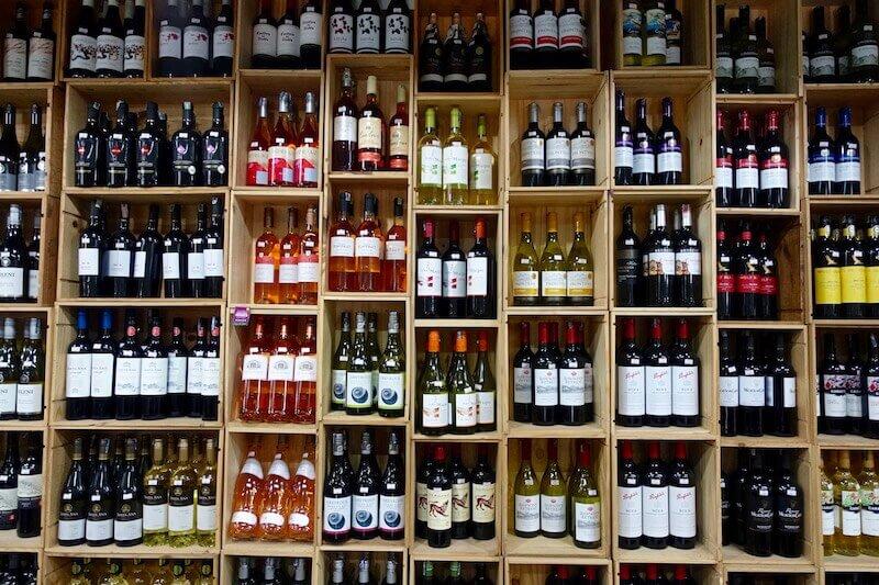 eatdrinklaos-vientiane-where-buy-best-wine-simuang.jpg