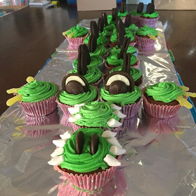 I made this! Epic crocodile cupcake cake for my nephew's 4th birthday 😍❄️🥳🐊 #birthday #cupcakes #homemade #kids #kidsbirthday #kidscakes #bestauntie #crocodile #madeincanberra #canberrabaker #birthdaycake #imadethis #happy #weekend #photooftheday #yum #chocolate