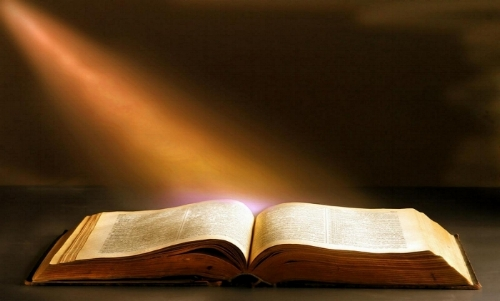 Let God's Word Guide you to the Light     (Slight pause of six seconds before starting)