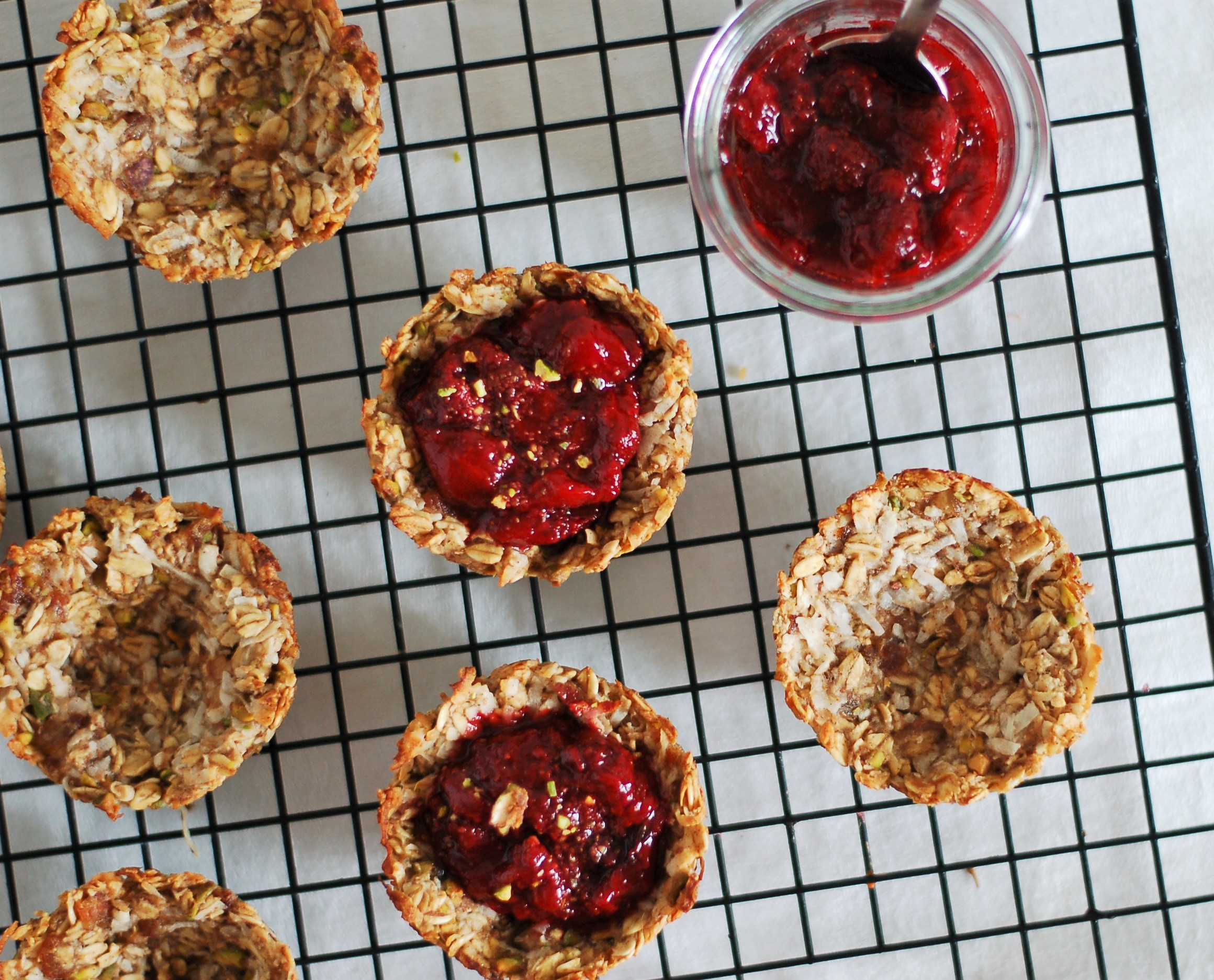 Oatmeal Cups with Strawberry Jam