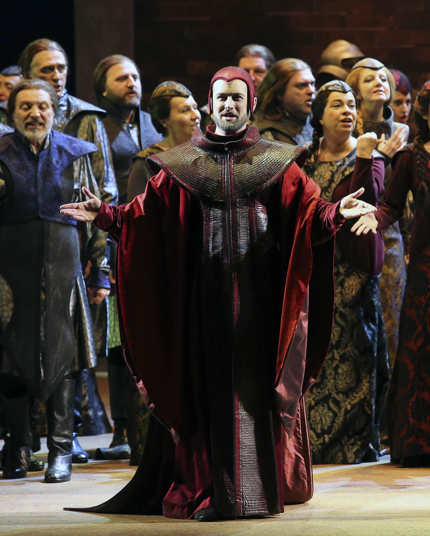 Il Priore in Verdi's I Lombardi alla prima crociata  Foto Ramella&Giannese © Teatro Regio Torino
