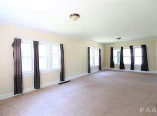 1608 Fredonia-room.jpg