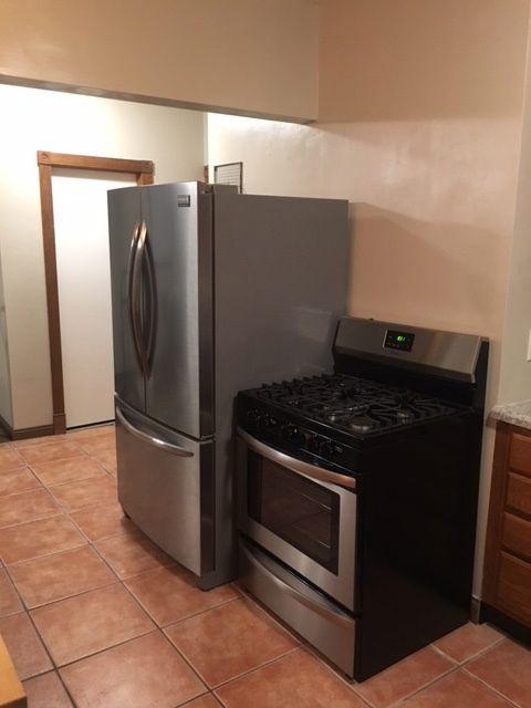 1819 fridge:stove 2.jpg