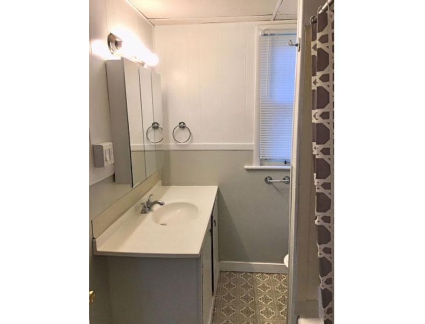 408-bathroom-wide.jpg