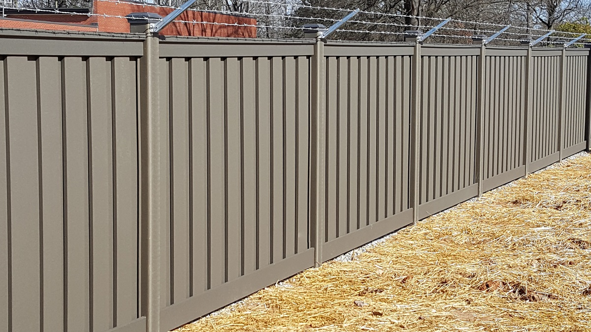 Commercial Fencing Doesn't Have to Be Ugly.jpg