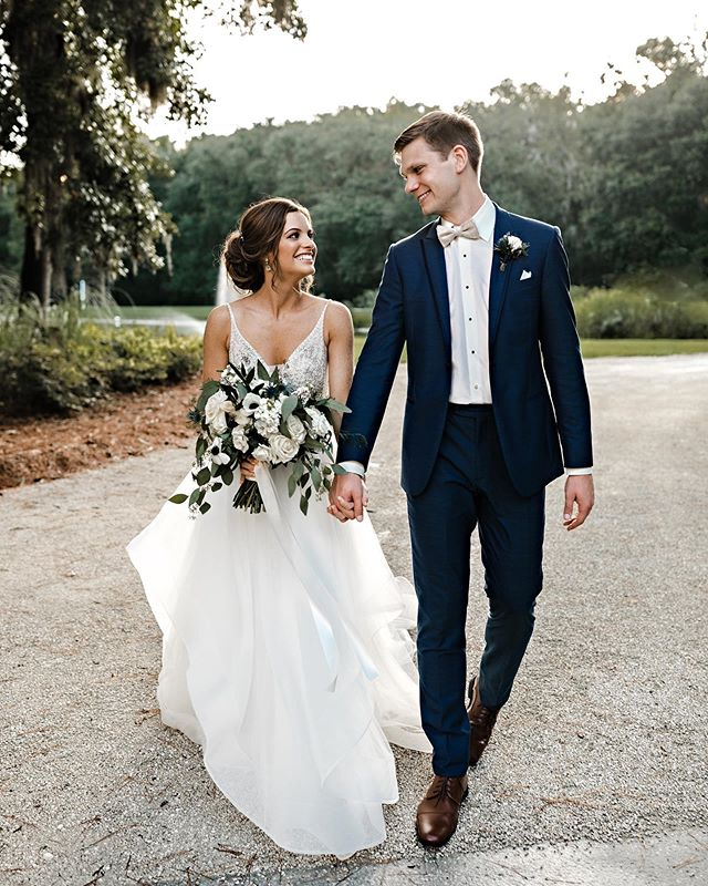 Love love LOVED spending Friday with this incredible couple + their friends and family. What a joyful day it was filled with so much laughter and fun! I just absolutely adore Meagan & Will!!!