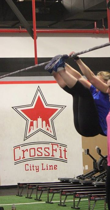 Amanda set aside time each day to work on her goals and it paid off with consecutive toes to bar!