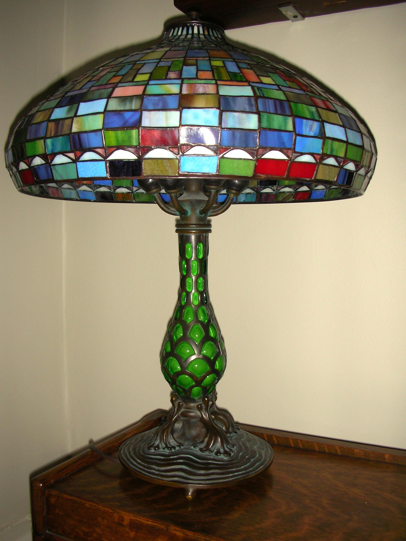 L-lamp, tiffany style, mismatch base #2.jpg