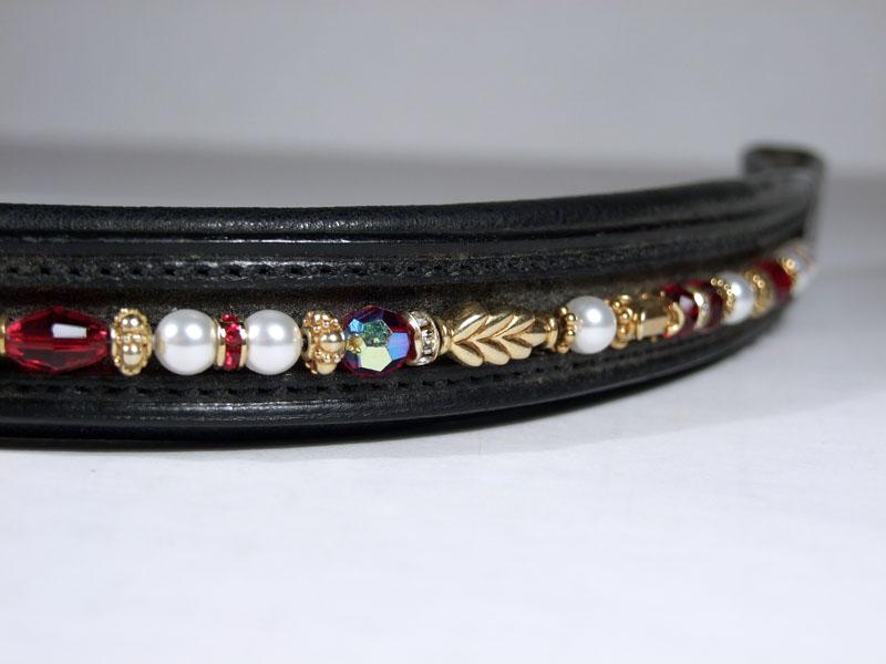Tudor Garnet & Pearl Close Up