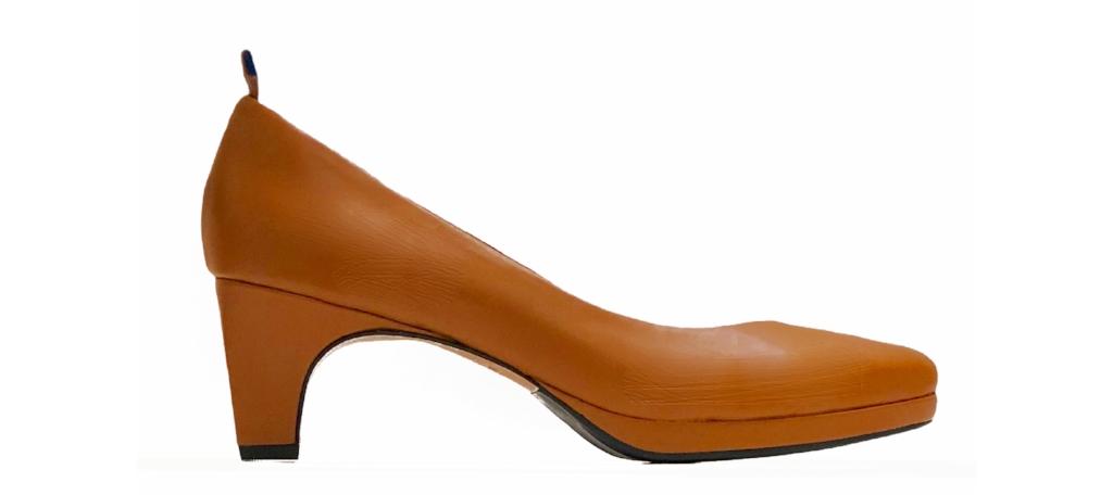 caramelo-dr-Liza-sneaker-pump