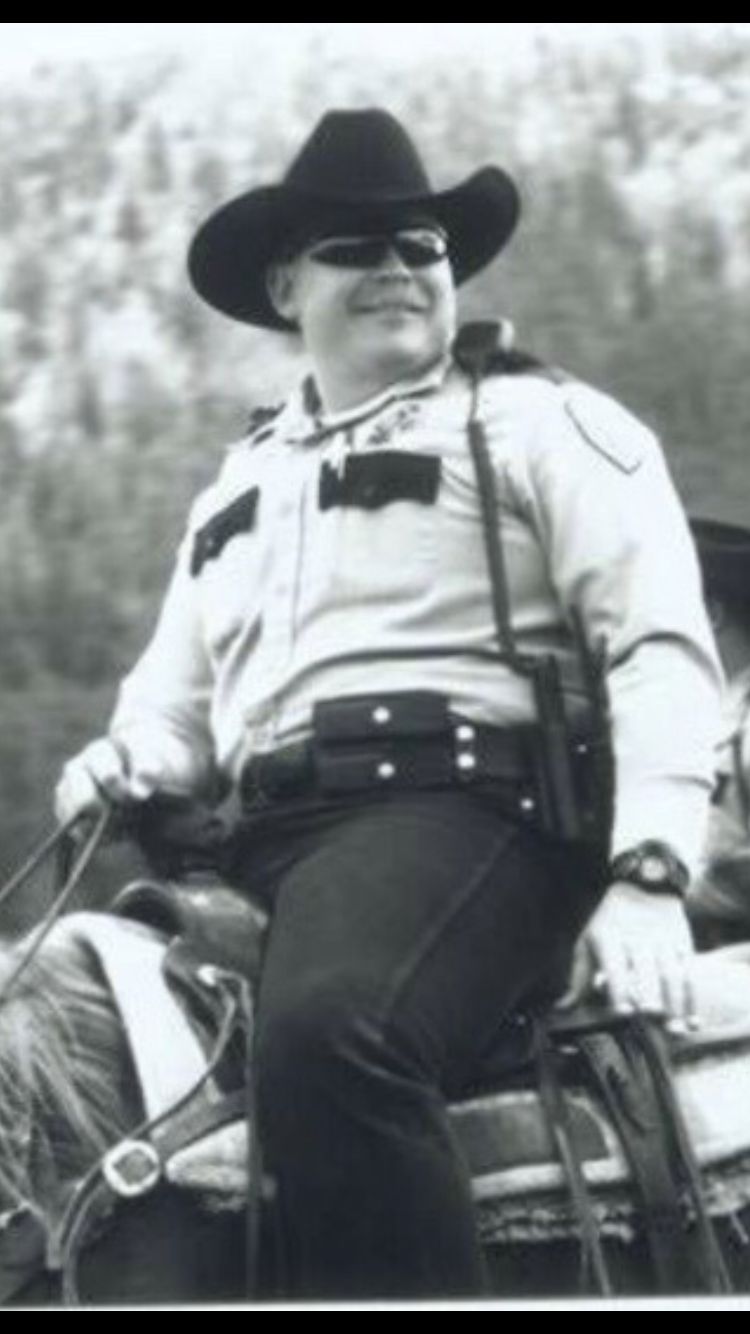 CommanderJoseph Allen GoldsmithApache County Sheriffs OfficeEnd of Watch:Thursday, May 20, 2004 - Commander Joseph Goldsmith succumbed to injuries incurred when he was involved in a motorcycle accident while escorting a race known as the