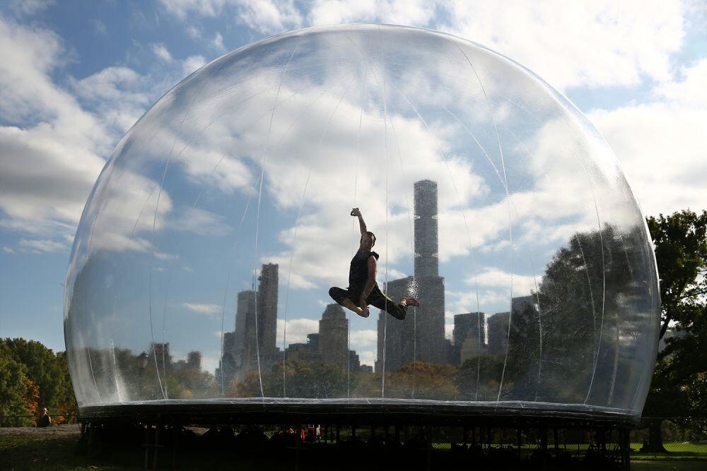 ENVIRONMENT BUBBLE - Francois d'Allegret + Francois Perrin - Performa - Central Park New York