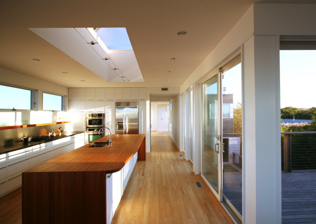 View of the kitchen with ceiling atrium