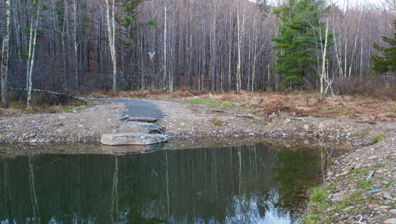 Located in the Catskills, near the Ashokan Reservoir and the Mohank Mountain House, this 2,750 sf prefab also features a newly excavated swimming hole and pond.
