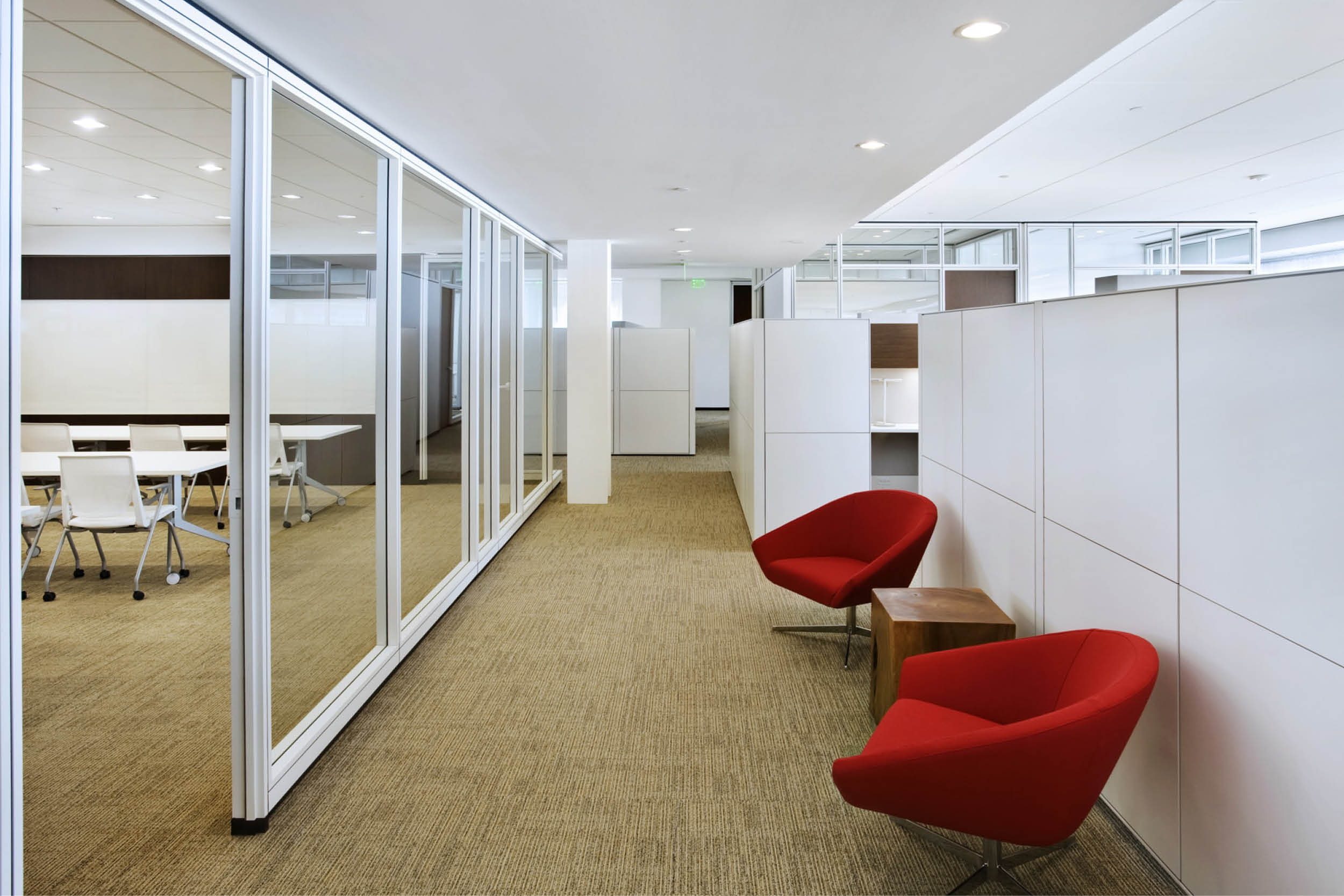 Modern Commercial Office | White Glass Partitions Conference Room Classroom Open Office Workstations | RES4